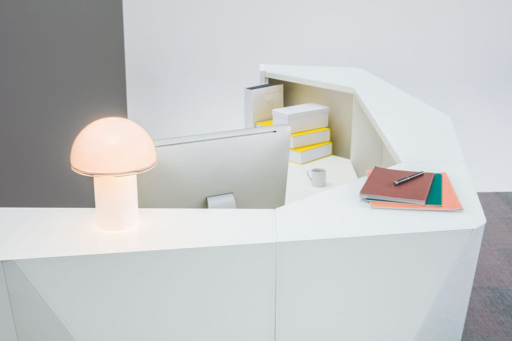Alpa Reception Counter Top with lamp