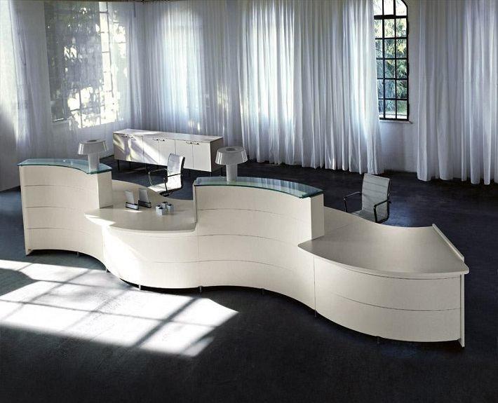 luna reception desk